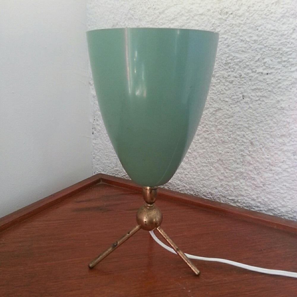lampe-tripode-à-réflecteur-en-obus