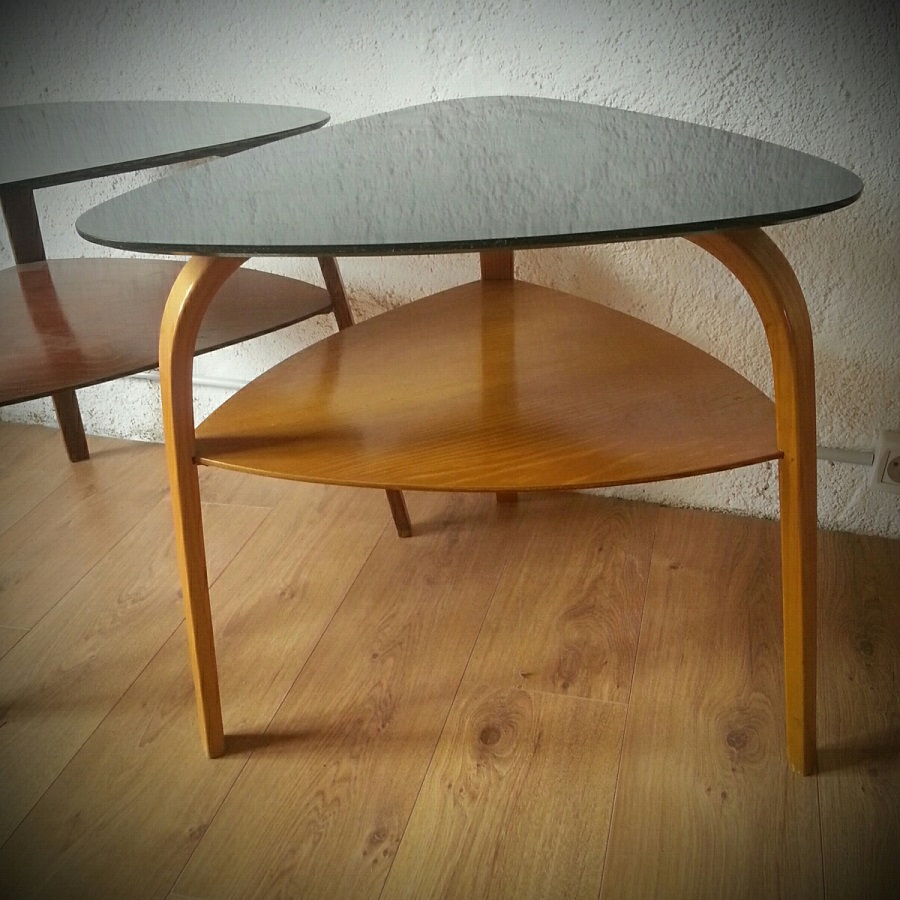 Table basse tripode bow wood steiner lampodrome for Table basse tripode