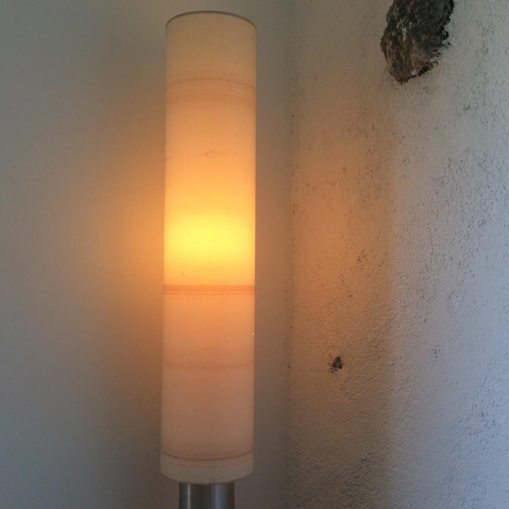 lampadaire-à-fût-cylindrique