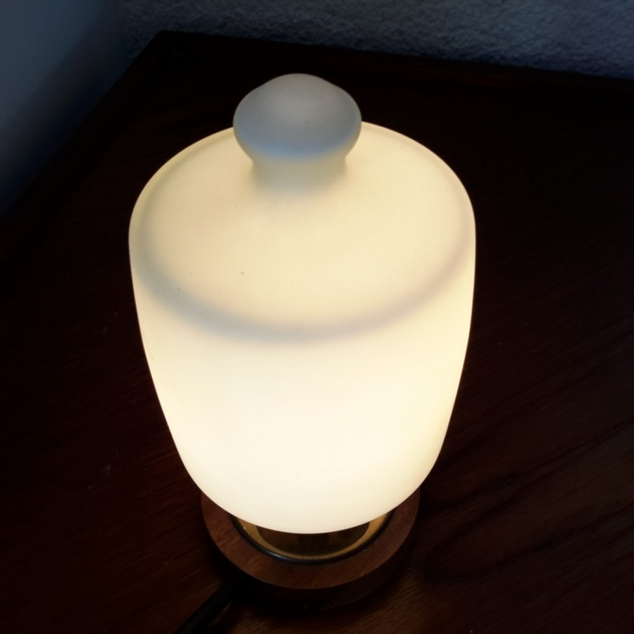 petite-lampe-scandinave-en-bois