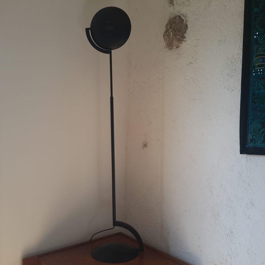 lampadaire-noir-style-memphis-2