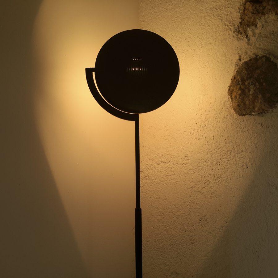 lampadaire-noir-style-memphis-3