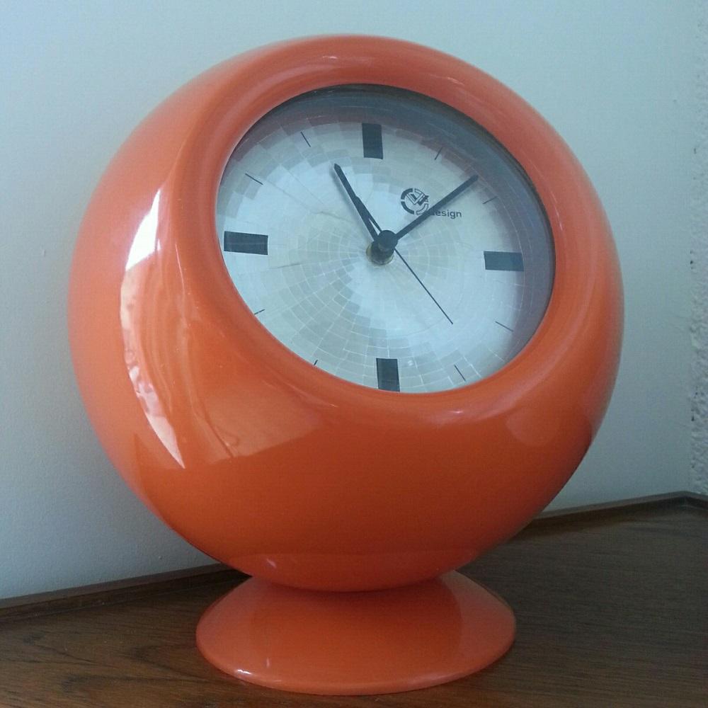 imposantes-horloges-boules