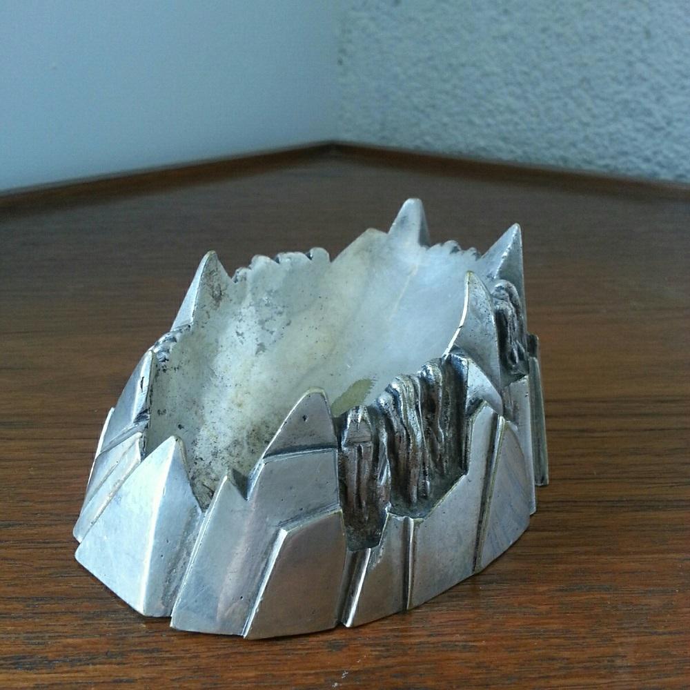 Cendrier-montagne-en-bronze-argenté