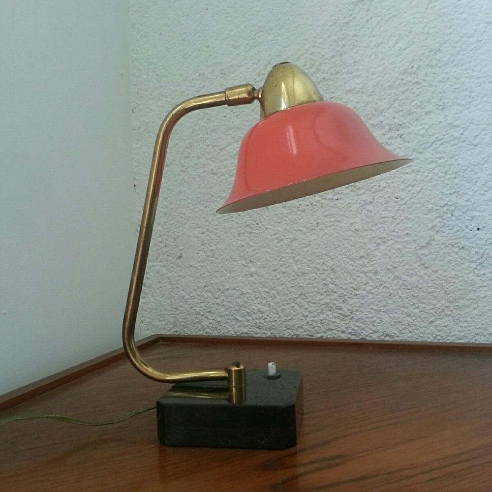lampe-coudée-et-réflecteur-à-chapeau