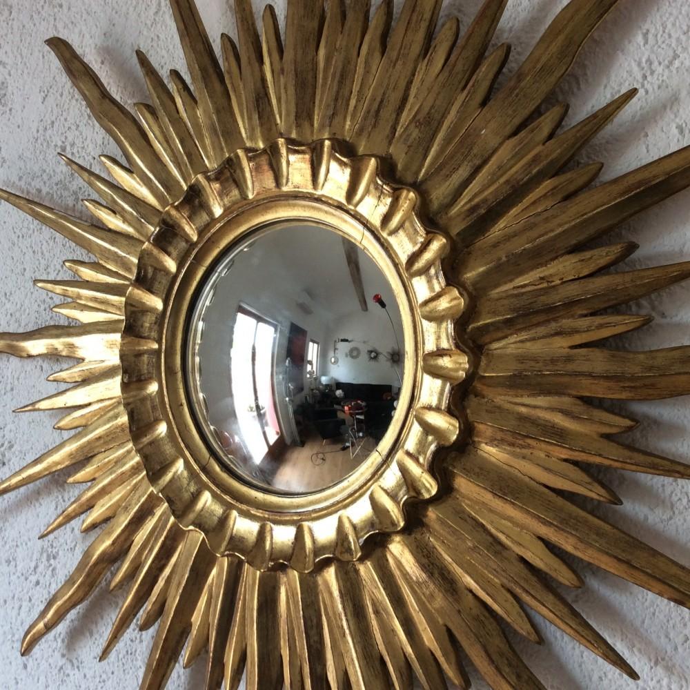 Miroir-sorcière-soleil-bombé-bois-dorė