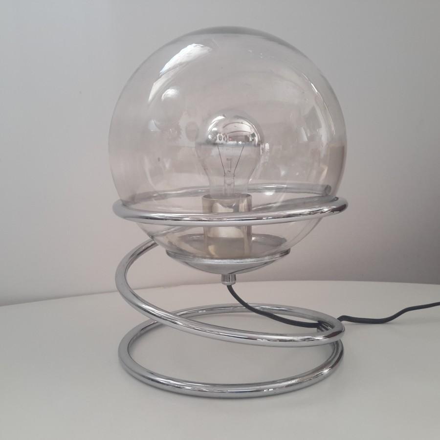 lampe-boule-à-spirale-chromée