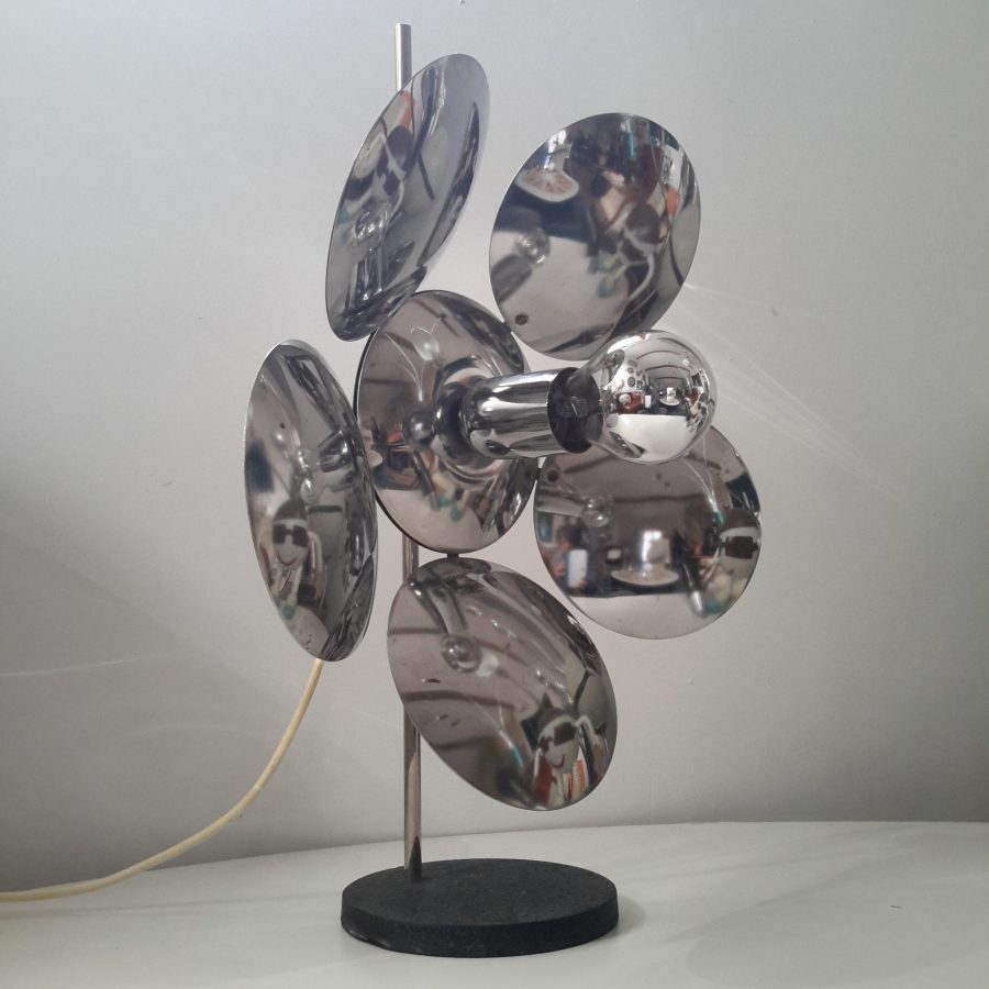 lampe-fleur-chromée