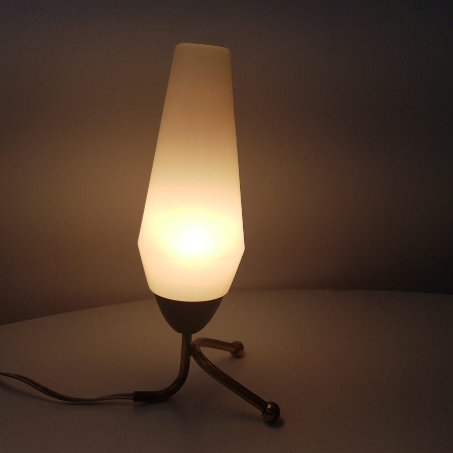 petite-lampe-tripode-cocotte