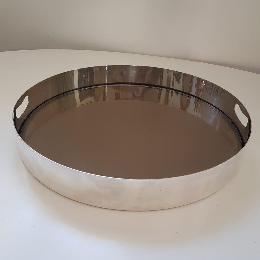plateau-design-en -métal-argenté